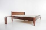 Nobile mit eingehängter Bettkonsole